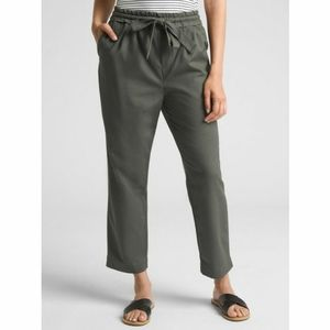 GAP Dobby Cropped Pants in Olive Size Small